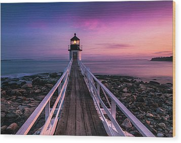 Maine Sunset At Marshall Point Lighthouse Wood Print