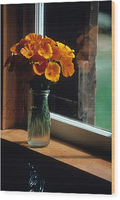 Maine Windowsill Wood Print by Laurie Paci