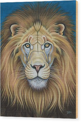 The Lion's Mane Attraction Wood Print