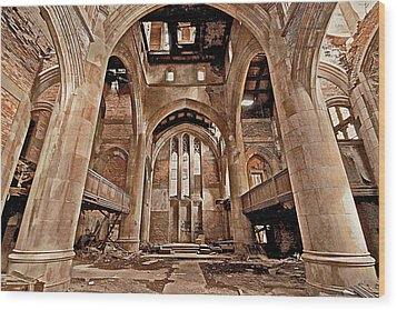 Wood Print featuring the photograph Majestic Ruins by Suzanne Stout