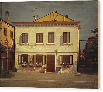 Malamocco House No1 Wood Print by Anne Kotan