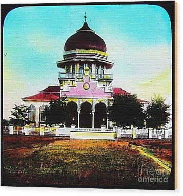Malay Mosque Singapore Circa 1910 Wood Print by Peter Gumaer Ogden
