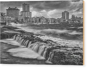Malecon De Seda Wood Print