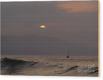 Malibu Sunrise Wood Print by Marc Bittan