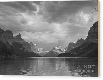 Maligne Lake Wood Print
