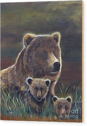 Mammas Warmth Wood Print by Leslie Allen