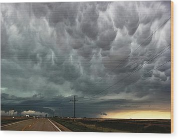Mammatus Over Montata Wood Print by Ryan Crouse