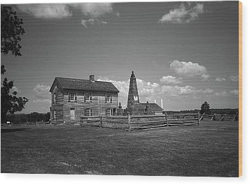 Wood Print featuring the photograph Manassas Battlefield Farmhouse 2 Bw by Frank Romeo