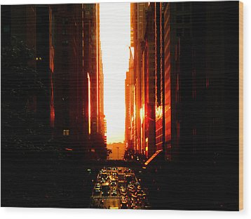 Manhattanhenge Sunset Overlooking Times Square - Nyc Wood Print by Vivienne Gucwa