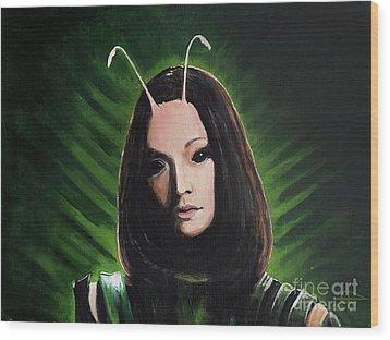 Mantis Wood Print by Tom Carlton