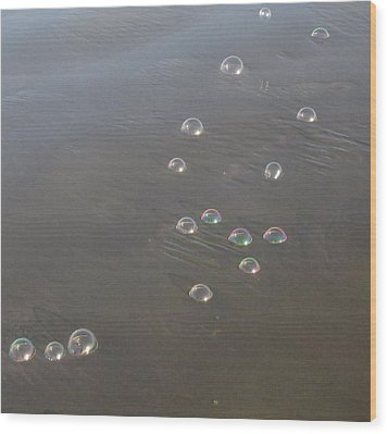 March Of The Bubbles Wood Print