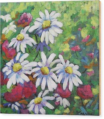 Marguerites 001 Wood Print by Richard T Pranke