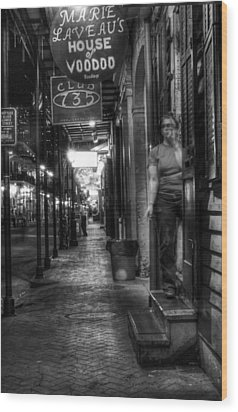Marie Laveau's House Of Voodoo At Night In Black And White Wood Print by Greg Mimbs