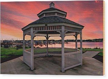 Marina Gazebo Sunset Wood Print by Rick Lawler