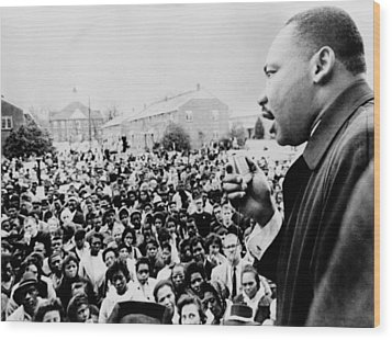 Martin Luther King Addresses Selma Wood Print by Everett