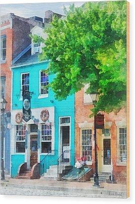 Maryland - Neighborhood Pub Fells Point Md Wood Print by Susan Savad