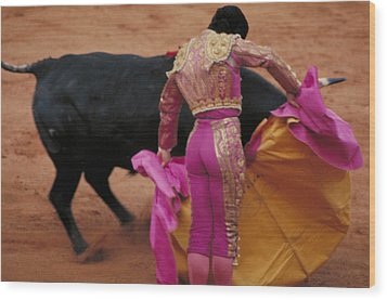 Matador And Bull Wood Print by Carl Purcell