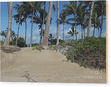 Wood Print featuring the photograph Maui Beach by Wilko Van de Kamp