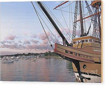 Mayflower II Wood Print by Janice Drew