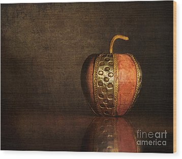 Wood Print featuring the photograph Mela In Metallo by Mark Miller