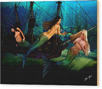 Mermaid Shipwreck  Wood Print by Tray Mead