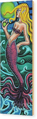 Mermaid With Pearl Wood Print by Genevieve Esson