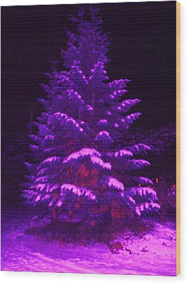 Merry Christmas Tree Wood Print by Laurie Kidd