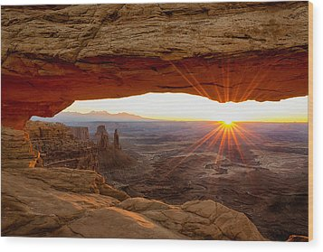 Mesa Arch Sunrise - Canyonlands National Park - Moab Utah Wood Print
