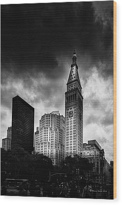 Wood Print featuring the photograph Met-life Tower by Marvin Spates