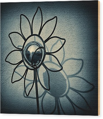 Metal Flower Wood Print