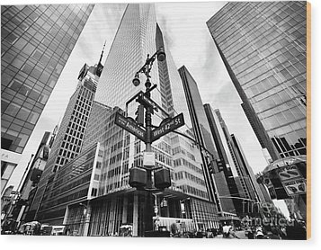 Wood Print featuring the photograph Midtown by John Rizzuto