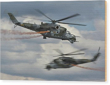 Wood Print featuring the photograph Mil Mi-24v Hind E by Tim Beach
