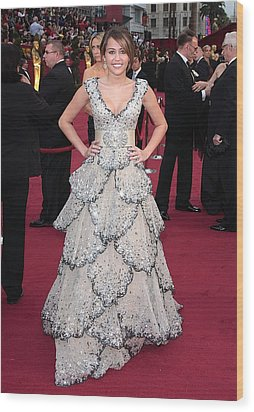 Miley Cyrus Wearing A Zuhair Murad Gown Wood Print by Everett