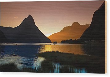 Milford And Mitre Peak At Sunset Wood Print