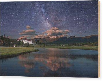 Milky Way Over The Omni Mount Washington Wood Print