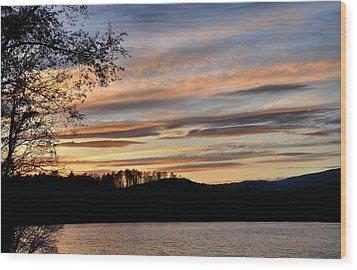 Mill Creek Lake Sun Set Wood Print by Todd Hostetter