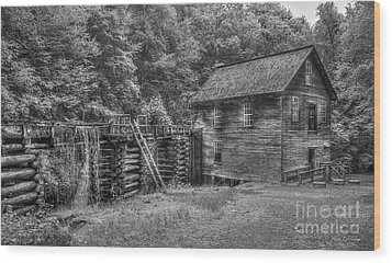 Wood Print featuring the photograph Mingus Mill Black And White Mingus Creek Great Smoky Mountains Art by Reid Callaway