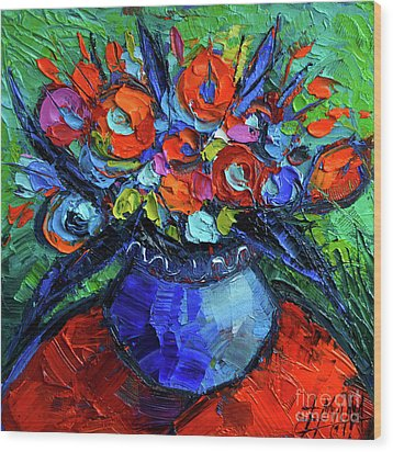 Mini Floral On Red Round Table Wood Print