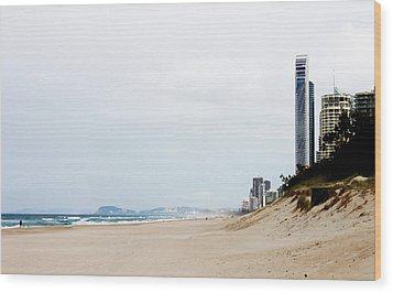 Misty Gold Coast Beach Wood Print by Susan Vineyard