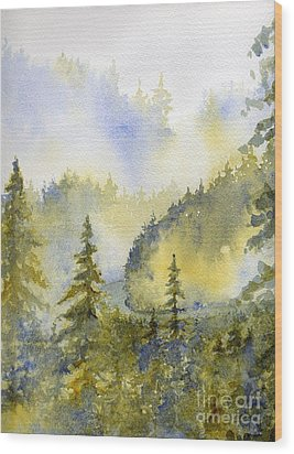 Misty Mountain Morning Wood Print by Lisa Bell