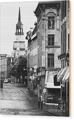 Montreal Street In Black And White Wood Print by John Rizzuto