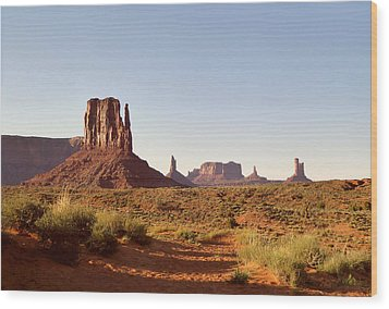 Monument Valley Calm Wood Print by Gordon Beck