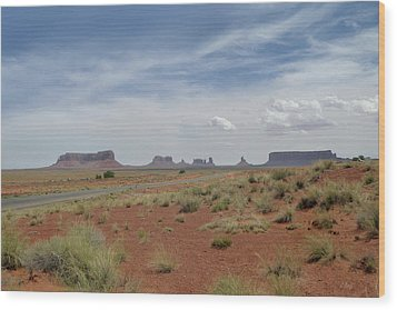 Monument Valley Horizon Wood Print by Gordon Beck