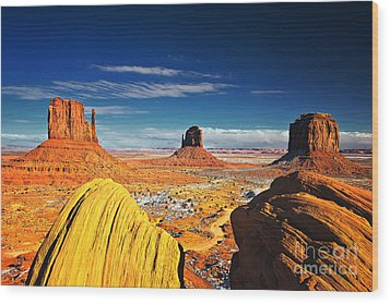 Monument Valley Mittens Utah Usa Wood Print