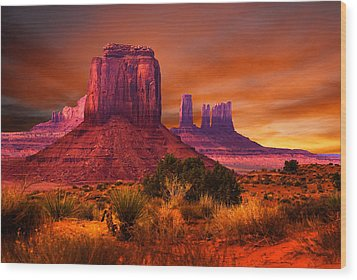 Monument Valley Sunset Wood Print by Harry Spitz