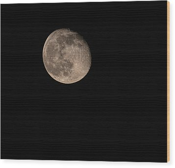 Moon 4-13-2017 Wood Print by Thomas Young