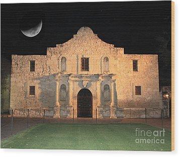 Moon Over The Alamo Wood Print
