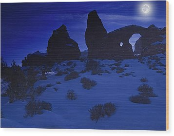 Moon Over Turret Arch Wood Print by Utah Images