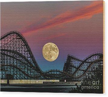 Moon Over Wildwood Nj Wood Print by Nick Zelinsky