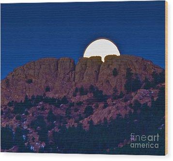 Moon Setting Behind Horsetooth Rock Wood Print by Harry Strharsky